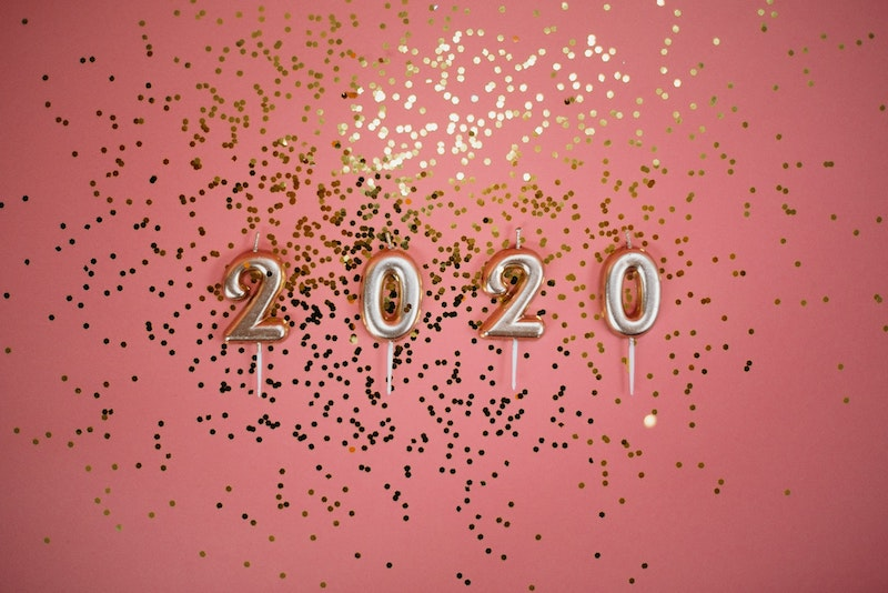 balloons with the year 2020 with confetti